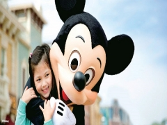 "Hong Kong Disneyland ""Happy Family Package"" with Cathay Pacific"