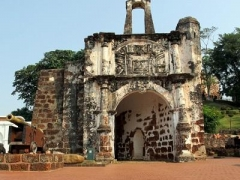 Historical Malacca: 1-Day Trip to Honey Bee Shop & Baba Nyonya Museum w/ Meals, Transfers & More
