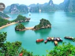 Hanoi: Aranya Hotel + Cruise Tour