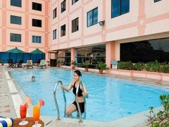 2D1N BATAM 4-Star Mercure Hotel