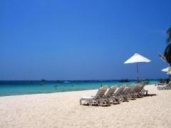 3D2N stay at Boracay: Arwana Hotel w/ Breakfast, Roundtrip Caticlan Land & Boat Transfers & More