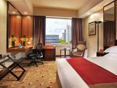 Stay 3 Nights @ Royal Plaza On Scotts - Singapore and Save 22% Off