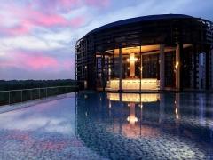 Tropical Paradise Staycay in Park Hotel Alexandra