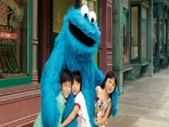 Maybank Exclusive: Universal Studios Singapore Child Ticket + SGD5 Universal Studios Singapore Meal voucher at SGD56
