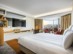 Book Online with Visa and Enjoy Complimentary Breakfast for 2 in Swissotel Hotels