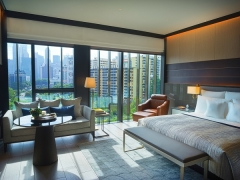 Sophisticated Suite Life Getaway in InterContinental Singapore Robertson Quay