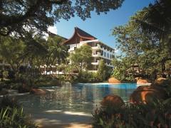 15% off Room Rates Plus More at Shangri-La's Rasa Sayang Resort & Spa with Standard Chartered