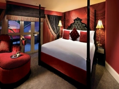 Enjoy up to 20% off rooms and suites and late check out when you book in advance at The Scarlet Singapore