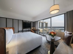 With complimentary daily breakfast for 2 at Fairmont Singapore