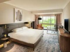 Breakfast & Wi-Fi at Hilton Hotels & Resorts Singapore
