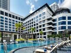 Daycation at Grand Park City Hall