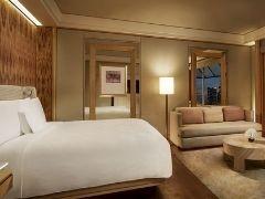 Treat You at The Ritz Carlton Millenia Singapore