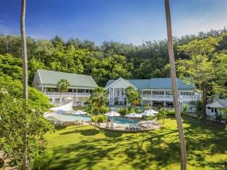 5D4N Fiji Island Hopping Package at Malolo Island Resort & Radisson Blu Resort