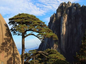 8D Huangshan / Mt. Qiyun / Thousand-Island Lake + Hongcun Village (CSHS4)
